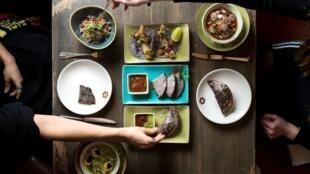 """Eduardo """"Lalo"""" García, uno de los chefs mexicanos que participa al evento 'Goût de France' ha abierto un restaurante en Londres llamado Peyote."""