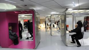 Hall du théâtre de la Gaîté lyrique à Paris désormais consacré aux cultures numériques, vu ici lors de l'inauguration le 1er mars 2011.