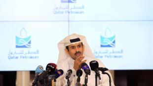 """سعد الکعبی، رئیس شرکت """"قطر پترولیوم""""، در یک کنفرانس خبری در دوحه. سهشنبه ١٣ تیر/ ٤ ژوئیه ٢٠۱٧"""