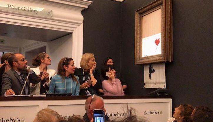 Картина Бэнкси, самоуничтожившаяся на Сотбис, получила название «Любовь вмусорной корзине»
