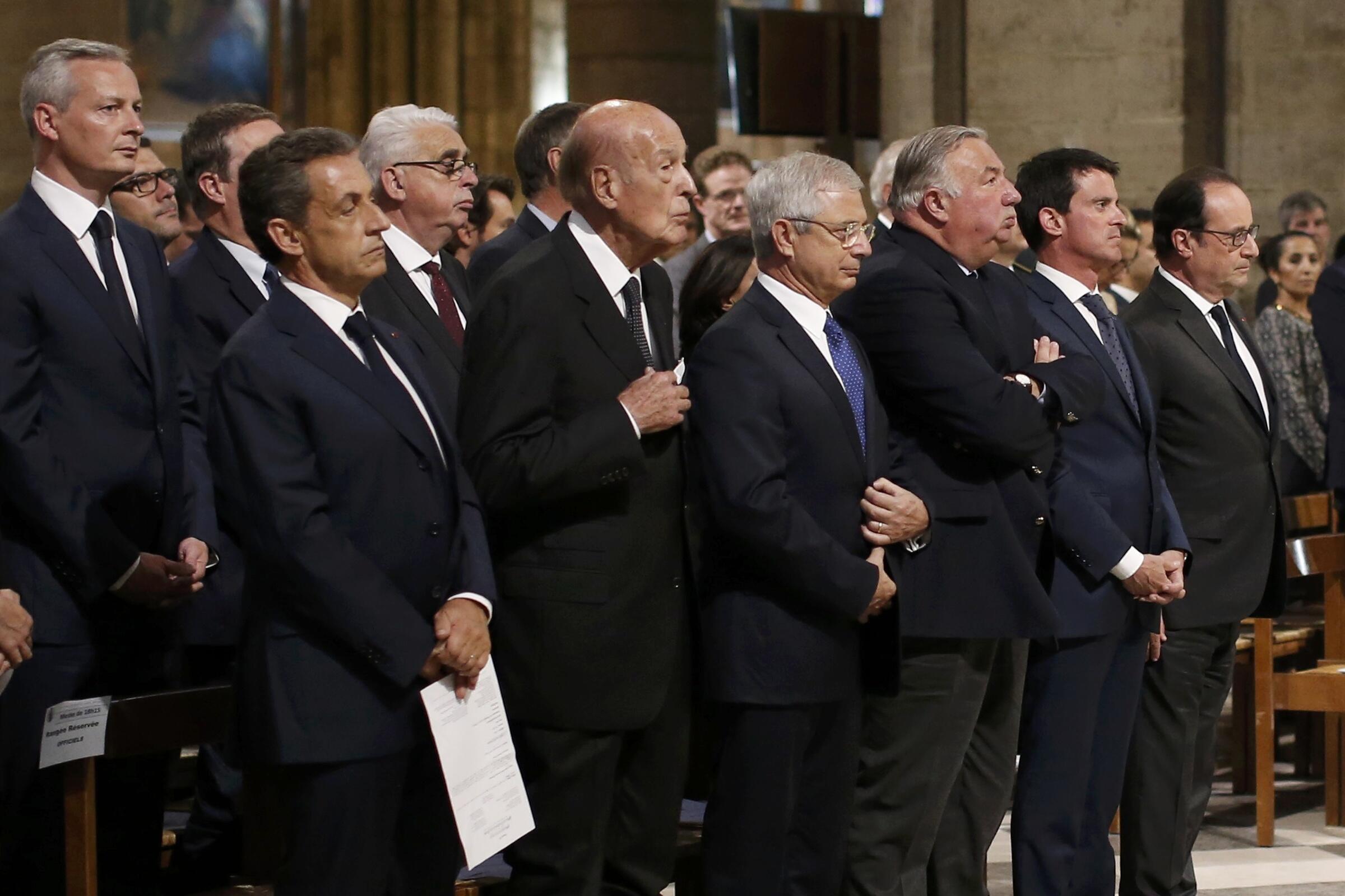Kutoka kushoto kwenda kulia: Nicolas Sarkozy, Valéry Giscard d'Estaing, Claude Bartolone, Gérard Larcher, Manuel Valls et François Hollande katika kanisa la Notre-Dame mjini Paris, Jumatano Julai 27.