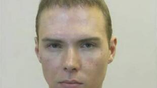 Hỉnh ảnh kẻ sát nhân Luka Rocco Magnotta sau khi bị bắt. Ảnh do cảnh sát Berlin cung cấp