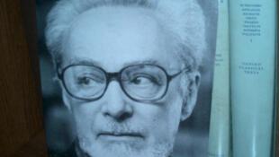 Primo Levi, rescapé des camps de la mort, écrivain et témoin majeur pour l'Histoire.