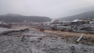 位於西伯利亞地區克拉斯諾雅斯克市(Krasnoyarsk)的1處金礦礦場堤壩潰堤       2019年10月19日
