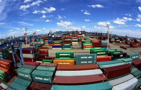 中国去年进出口统计增长百分之2.3% 距离百分之7.5预计目标遥远