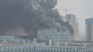 自由時報刊中國央視截屏圖 華為東莞實驗室火災事故