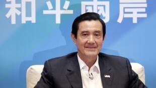 台灣總統馬英九在記者招待會上 2011年10月17日