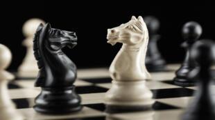 """Denis Grozdanovitch publie """" La vie rêvée du joueur d'échecs"""" aux éditions Grasset"""
