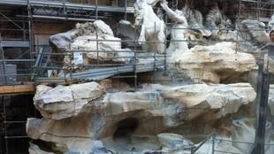 La Fontaine Trevi est en pleine rénovation.