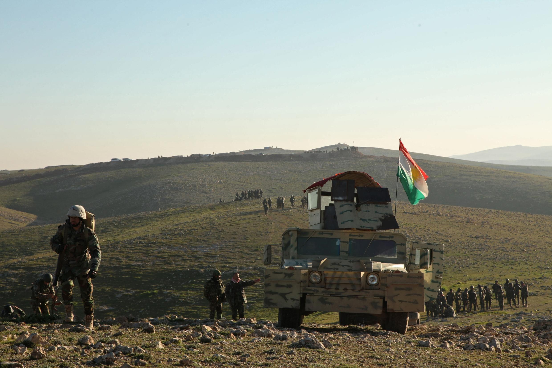 Des peshmergas kurdes dans les environs de Mossoul, le 6 février 2015.