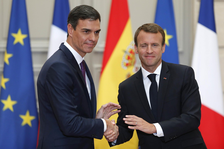 Tổng thống Pháp Emmanuel Macron (p) và thủ tướng Tây Ban Nha Pedro Sánchez tại điện Elysée, Paris (Pháp) ngày 23/06/2018.