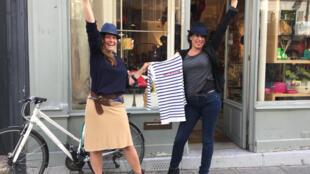 Nadine Gonzalez (à esq.) e Céline Fakhouri, duas pariocas que vivem entre Rio e Paris