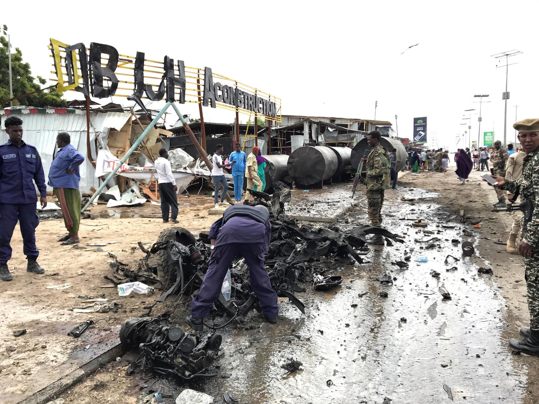 Selon les sources, l'attaque de ce lundi 13 juillet à Mogadiscio a fait entre un et cinq morts.