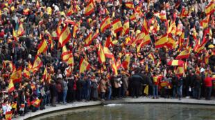 La derecha y la extrema derecha españolas protestan contra el socialsita Pedro Sánchez en Madrid, el 10 de febrero de 2019.