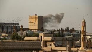 Bombardement de l'armée turque sur la ville syrienne de Ras al-Ain contrôlée jusque-là par les milices kurdes, dans le nord-est du pays, le 9 octobre 2019. (Photo d'illustration)