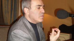 Garry Kasparov interviewé par RFI le 20 novembre 2007 à Paris.