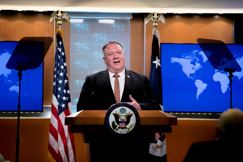 Ngoại trưởng Mỹ Mike Pompeo trong cuộc họp báo tại bộ Ngoại Giao ở Washington, ngày 15/07/2020.