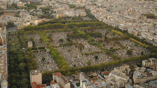 Une vue du cimetière du Montparnasse à Paris