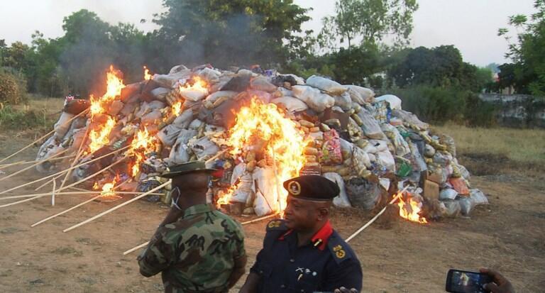 Des tonnes de drogues saisies sont détruites dans la ville de Kano, au Nigeria.(Photo d'illustration)