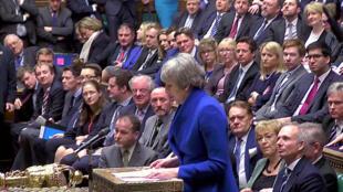 15日脫歐協議遭否決,英國首相特蕾莎梅16日僥倖躲過不信任提案。