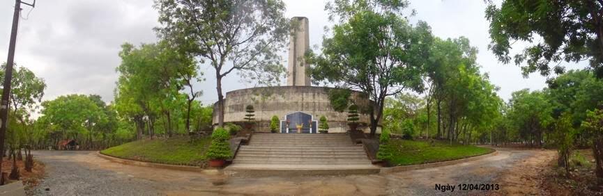 Đài tưởng niệm Nghĩa Dũng Đài của Nghĩa trang Biên Hòa, sau khi được trùng tu, đầu năm 2013.