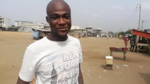 Guy-Roger Ndrin, alias Bibisse, héros du film «Seules les bêtes», dans son quartier de Yopougon. Abidjan, le 10 janvier 2020