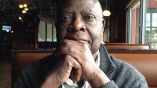 Portrait de l'écrivain Emmanuel Dongala, à l'occasion de la sortie de son livre «La sonate à Bridgetower» paru aux éditions Actes Sud.