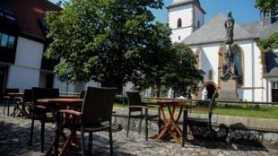 Une place vide à Rheda-Wiedenbrueck après une décision de reconfinement local, le 23 juin 2020.