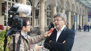 El candidato presidencial francés Jean-Luc Mélenchon del movimiento 'Francia insumisa', 1° de octubre 2016, Gare de l'Est Paris