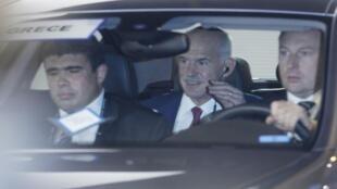 Greek PM George Papandreou leaves the pre-G20 dinner