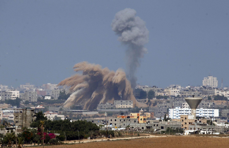 Vinte e cinco palestinos morreram nesta terça-feira (8) na Faixa de Gaza nos bombardeios lançados por Israel.
