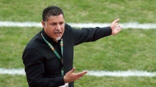 علی دایی، سرمربی تیم فوتبال سایپا تهران، با حکم مدیریت باشگاه ورزشی سایپا، اخراج شد.