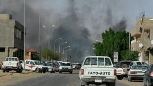 En février et mars 2012 déjà, plus de 250 personnes sont mortes dans des affrontements opposant tribus arabes et non-arabes dans deux villes désertiques du sud de la Libye, Sebha et Koufra.