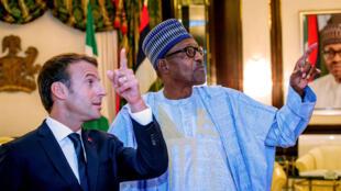 Shugaban Faransa Emmanuel Macron da takwaransa na Najeriya Muhammadu Buhari yayin wata ziyara a Abuja ranar 3 ga watan Yulin shekarar 2018.