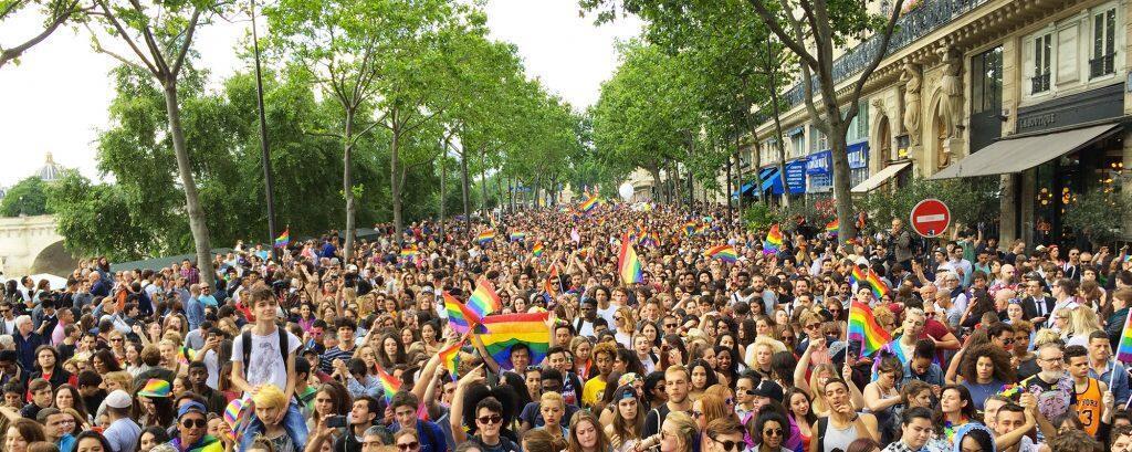 A Parad do Orgulho Gay de Paris no ano passado reuniu 600 mil pessoas