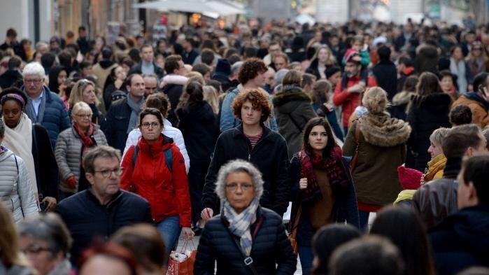 اختلاف شدیدی میان حسّ خوشبختی فردی و مسائلی همچون قدرت خرید و رنج های اجتماعی در فرانسه وجود دارد.