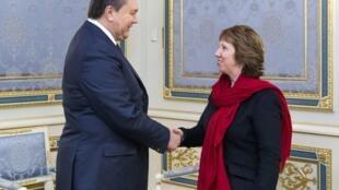 rais wa Ukraine Viktor Yanukovich alipokutana na  Catherine Ashton, Desemba 29 jijini Kiev