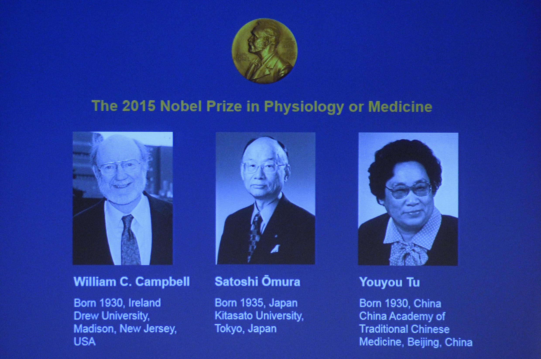 Los tres investigadores premiados con el premio Nobel de Medicina 2015 : William Campbell, Satoshi Omura y Youyou Tu.