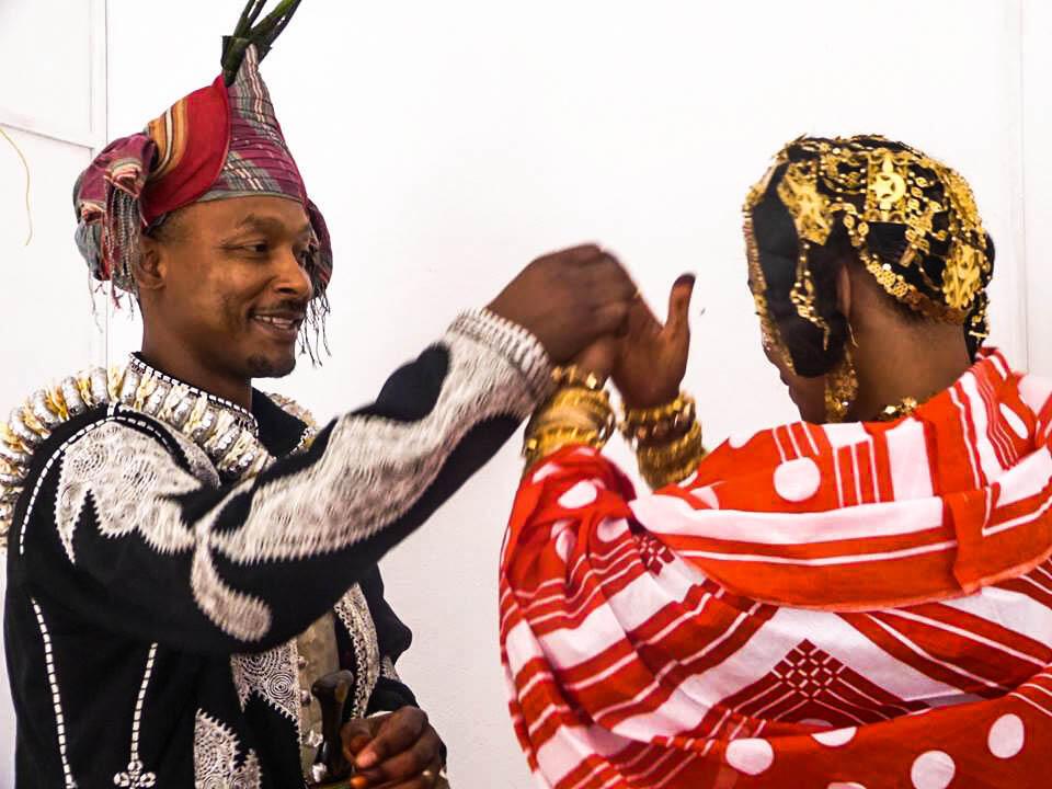 Aux Comores, une fois le mariage célébré, c'est à l'époux d'emménager au domicile de sa femme (Cliquez sur la photo pour lancer l'audio).
