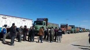 گروهی از کامیونداران از روز یکشنبه اول مهر ماه بار دیگر اعتصاب خود را از سر گرفتند.