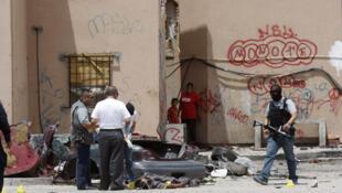 Tres hombres fueron asesinados en una calle de Ciudad Juárez, el 22 Mayo 2011. Una imagen que lamentablemente se ha vuelto normal.