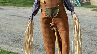 A festa do espantalho acontece todos os anos na cidade de Moringhem no norte da França.
