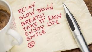 """Para reducir el estrés en el trabajo se aconseja """"desconectarse"""" unos minutos o hacer ejercicios de relajación."""