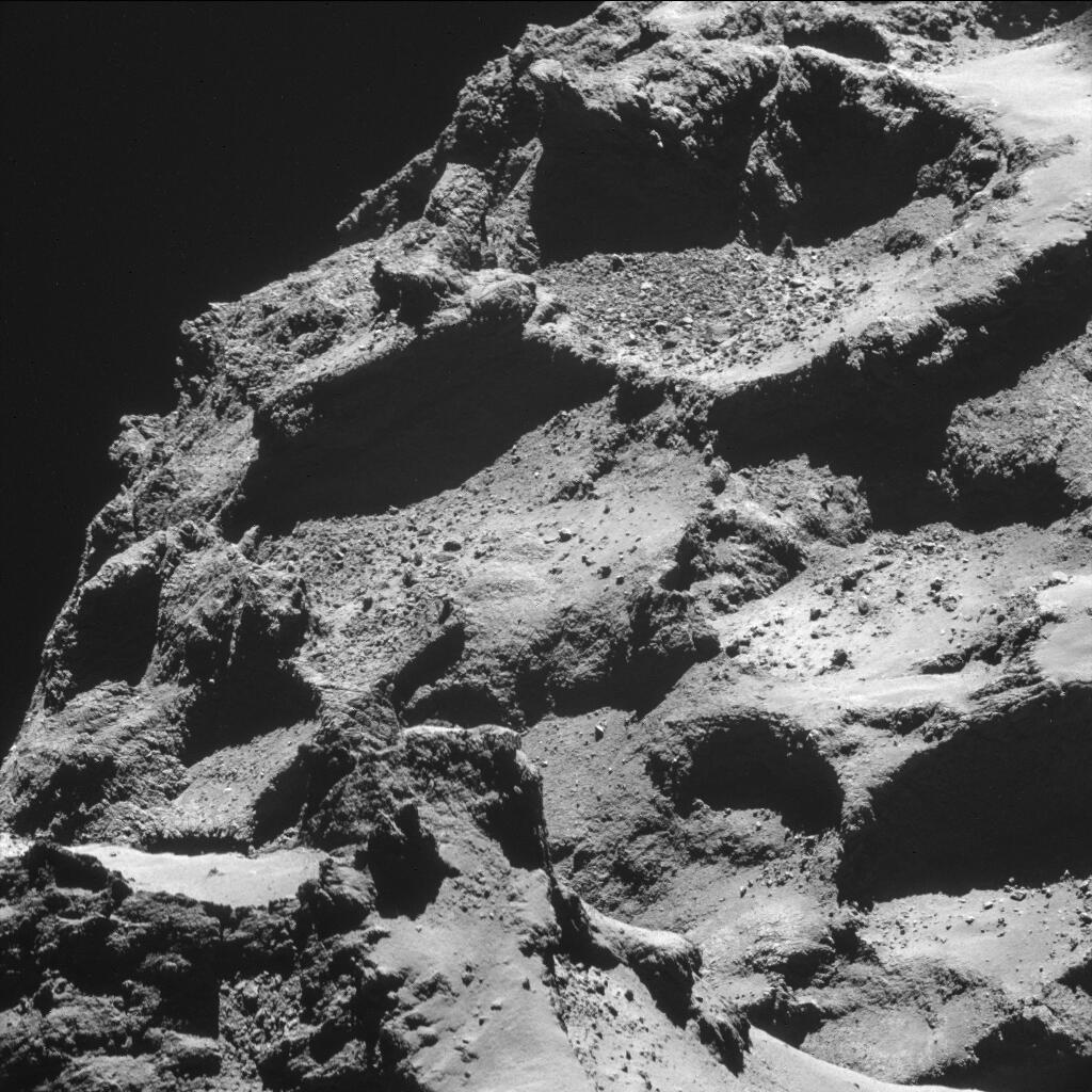 Le robot Philæ a été largué par la sonde Rosetta le 12 novembre 2014 et tente maintenant de se poser sur la comète « Chury ».