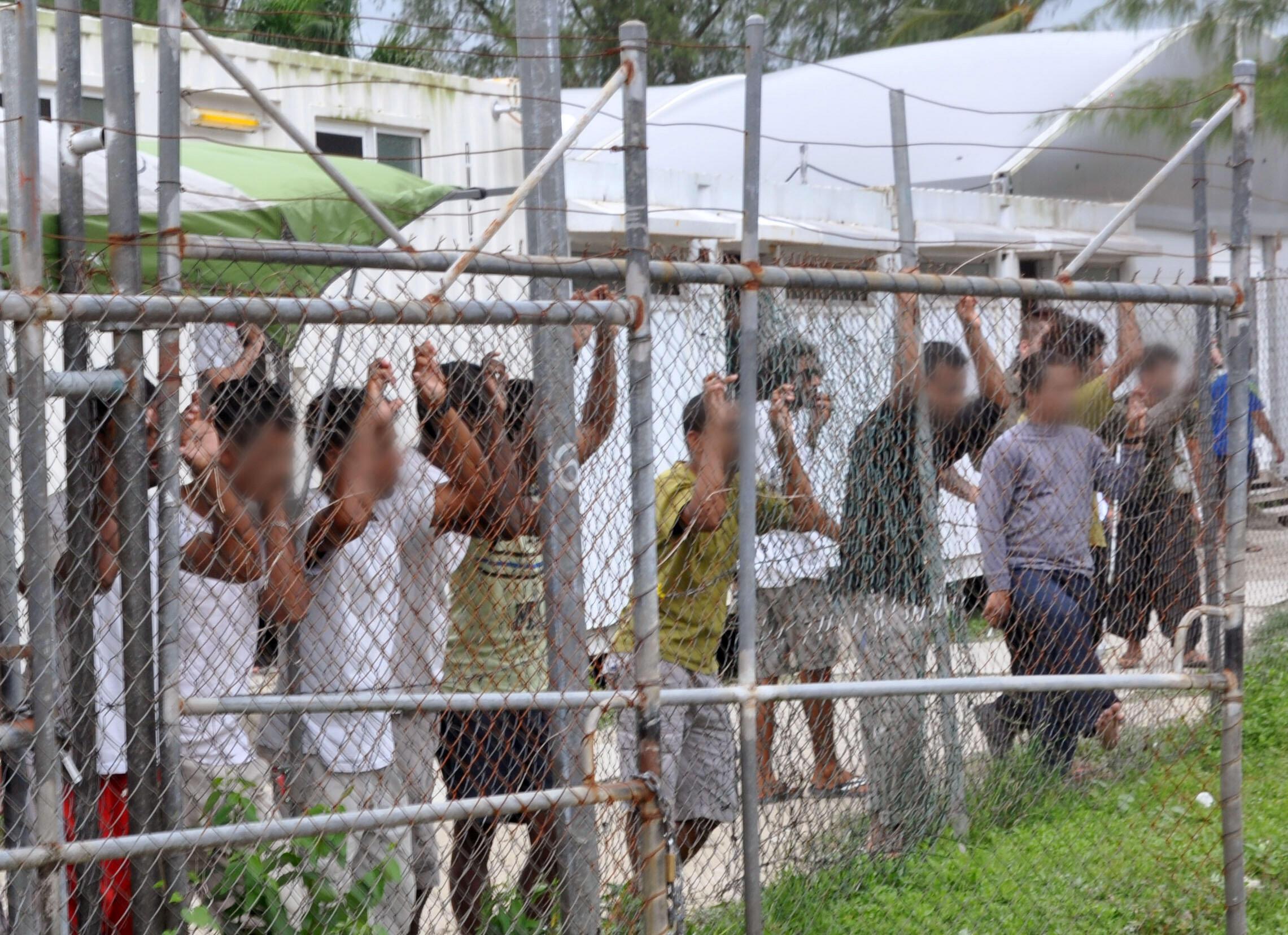 Người xin tỵ nạn bị cầm giữ ở trại giam Manus, Papua New Guinéa. Ảnh ngày 21/03/2014.
