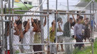 Des demandeurs d'asile dans le centre de Manus, en 2014.