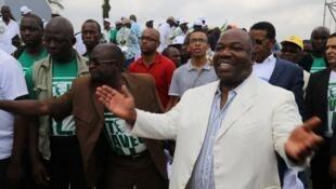 Le président gabonais Ali Bongo, en campagne pour sa propre succession, à Libreville, le 9 juillet 2016.