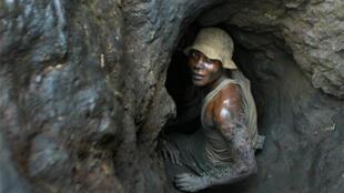 Travailleur dans une mine de cobalt.