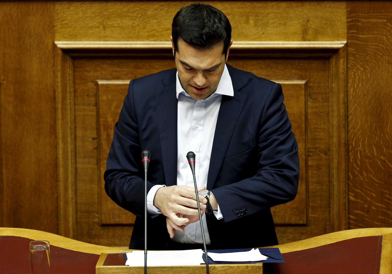 Премьер-министр Греции Алексис Ципрас во время выступления перед греческим парламентом 28 июня 2015.