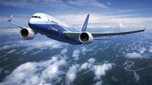 Le 787 Dreamliner qui se décline en trois versions, un moyen-courrier et deux long-courriers, est le premier nouveau modèle de Boeing depuis 13 ans.